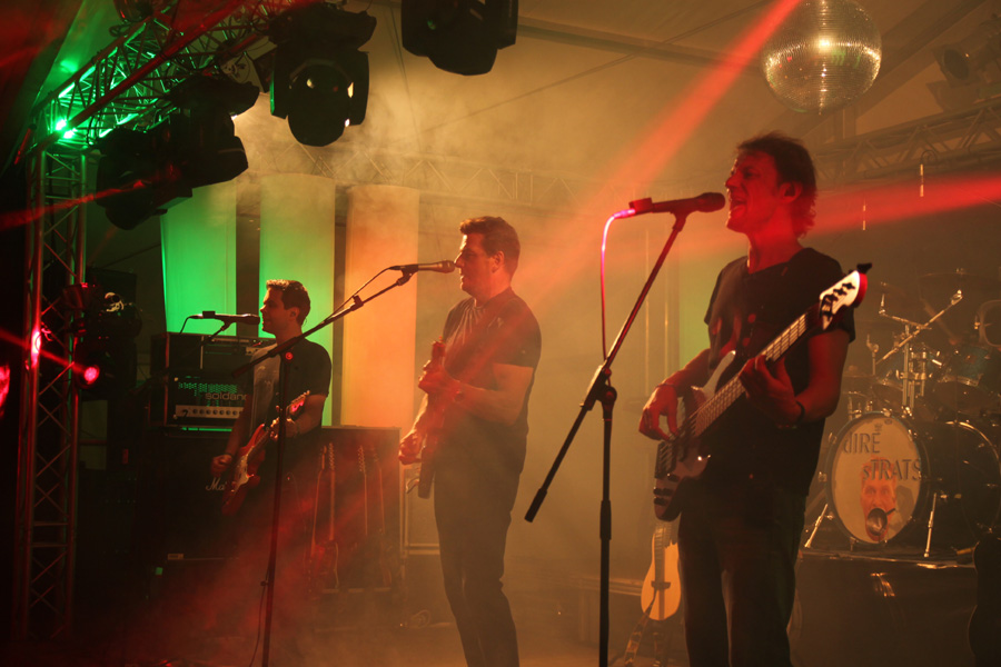 Pfingstfest im Festzelt